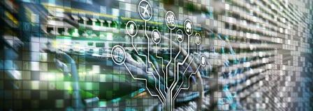Умная концепция сервера Интернет IOT вещей Техника связи данным по ICT Диаграммы со значками на digita комнаты сервера стоковое изображение rf