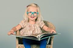 Умная маленькая девочка Стоковые Фото