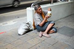 Умолять на улицах Стоковая Фотография
