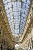 Уникально взгляд Galleria Vittorio Emanuele II увиденное сверху в милане в лете Построенный в 1875 эта галерея один из стоковые изображения