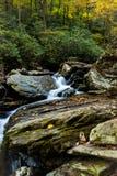Уникальные перспективы водопадов Saluda в Северной Каролине стоковые фотографии rf
