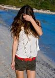 унылая гуляя женщина Стоковые Фотографии RF