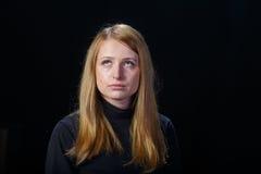 Унылый плакать белокурых волос маленькой девочки Стоковое Изображение
