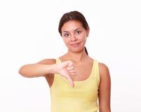 Унылая испанская девушка с плохим жестом работы Стоковое Изображение RF
