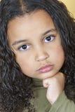 Унылый быть в дурном настроении ребенок девушки Стоковая Фотография