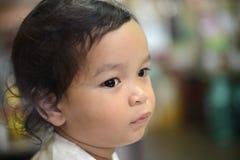 Унылый сиротливый мальчик Стоковая Фотография