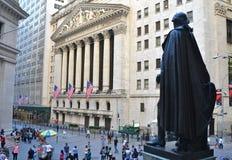 Уолл-Стрит и нью-йоркская биржа, Нью-Йорк, США Стоковые Изображения RF