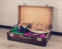 упакованный сбор винограда чемодана стоковые фотографии rf
