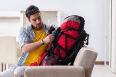 Упаковка backpacker для его отключения стоковое фото rf