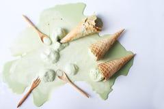 Упаденные конусы мороженого зеленого чая Стоковая Фотография