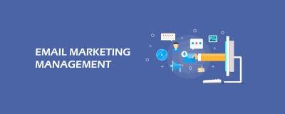 Управление маркетингом электронной почты - бизнесмен поставляя электронную почту, цифровую концепцию маркетинга Плоское знамя век Стоковые Изображения