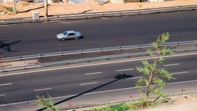 Управлять автомобилей на шоссе в Тебризе, Иране сток-видео