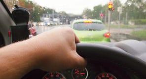 Управлять автомобилем POV стоковое изображение rf