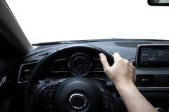Управляющ автомобилем, на дороге стоковое изображение rf