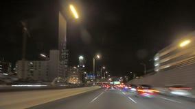 Управлять на полной скорости к городскому Чикаго на ноче сток-видео