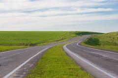Управлять на пустой дороге Стоковые Изображения RF