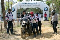 Управлять уча BMW GS 800 на 6-ое июня 2015 в Таиланде или велосипедисте Стоковое Изображение RF
