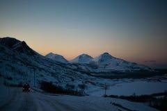 Управлять через горы Ersfjordbotn Стоковые Изображения RF
