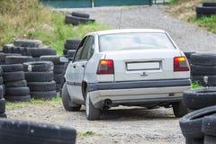 Управляя школа, тренировка водителя, дорога старых автошин Стоковое Изображение