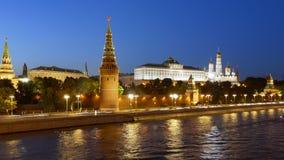 Упущение ночи гипер Москвы Кремля сток-видео