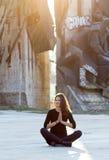 Урбанская йога Стоковые Фотографии RF