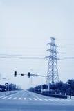 Урбанские дороги и башня электричества Стоковое Фото