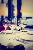Урегулирование места в тонизированном ресторане, Стоковое Изображение RF