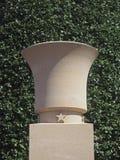 Урна на кладбище пляжа Нормандии Омахи Стоковые Изображения RF