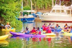 Урок безопасностью каяка на воде Стоковая Фотография