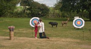 Урок Archery стоковое фото