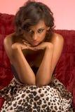 усаживание кресла этническое женское блестящее Стоковые Изображения RF