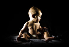Усаживание мальчика Стоковое Изображение RF