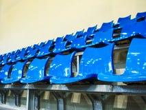 Усадите строки установленные на stedium крытого спорта Стоковое Изображение RF