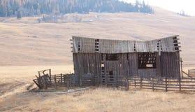 Усадьба верхних гористых местностей Okanogan старая. Стоковые Изображения RF