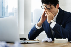 Усиленная концепция рабочего места бизнесмена жеста Стоковые Фотографии RF