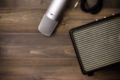 Усилитель и микрофон гитары Стоковое Изображение