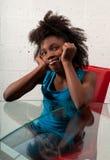 усмехаться девушки афроамериканца Стоковое Фото
