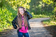 усмехаться девушки предназначенный для подростков Стоковое Изображение RF