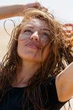 Усмехаться молодой женщины Стоковое фото RF