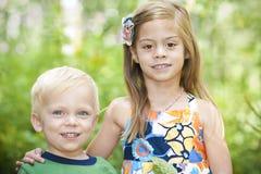 усмехаться портрета детей напольный Стоковые Изображения RF