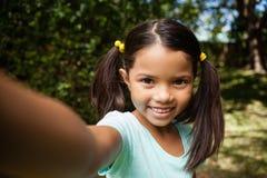 усмехаться портрета девушки Стоковые Фото