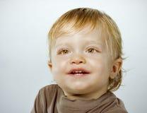усмехаться портрета мальчика счастливый Стоковые Изображения