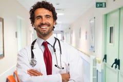 усмехаться портрета доктора стоковое изображение rf