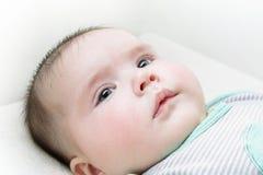 усмехаться стороны dof ребёнка отмелый Стоковое Фото