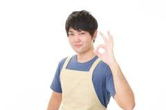 Усмехаясь азиатский кельнер Стоковая Фотография RF