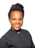 Усмехаясь Афро-американская женщина стоковые фотографии rf