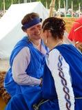 2 усмехаясь девушки на фестивале старом Риме Стоковые Изображения