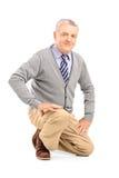 Усмехаясь зрелый вставать человека Стоковая Фотография