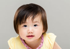 Усмехаясь милый младенец стоковые фотографии rf