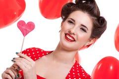 Усмехаясь молодая привлекательная женщина девушки при красные изолированные губы стоковое изображение